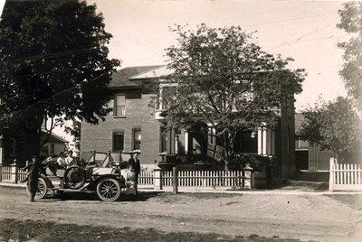 <b>Dr. Hall's Residence 1910</b>