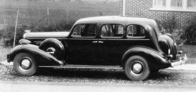 Dr. George Wesley Hall's Nine Seater Buick