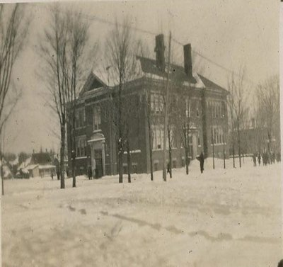 Lindsay Collegiate Institute [Central Senior Public School] 1915