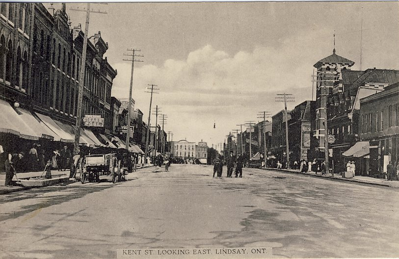 """""""Kent Street Looking East"""" (black and White)"""
