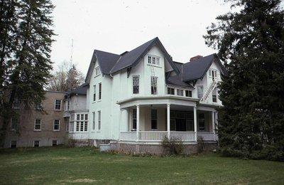 Mackenzie House, Nelson Street, Kirkfield