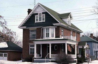 Cambridge Street North, Lindsay, private dwelling