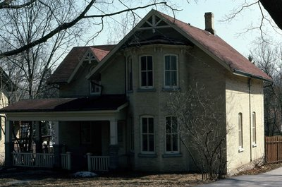 Bond Street, Lindsay, private dwelling
