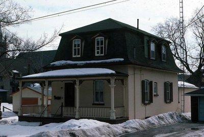 Wellington Street, Lindsay, private dwelling