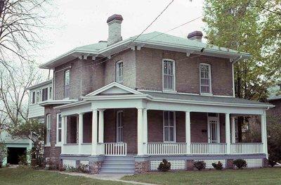 Kent Street West, Lindsay, private dwelling