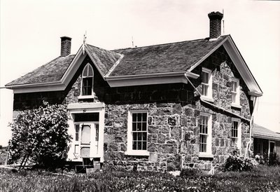 Stone house, Manvers Township, private dwelling