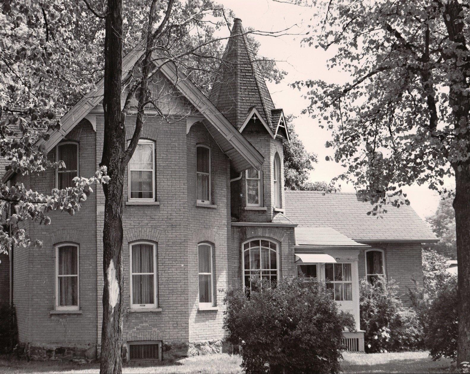 Albert Street South, Lindsay, private dwelling