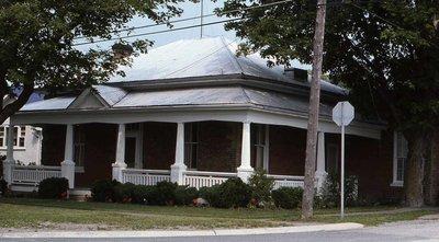 Highway 7, Oakwood, private residence