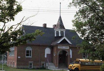 Mariposa S.S. No. 12, Highway 7, Oakwood