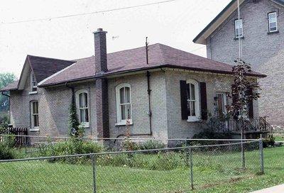 Glenelg St. W, Lindsay