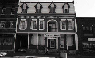 Grand Hotel, Kent Street West, Lindsay