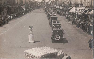 Lindsay Parade, Kent Street, Lindsay, Ont.
