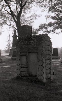 Log House Tombstone, Riverside Cemetery, Lindsay, Ontario