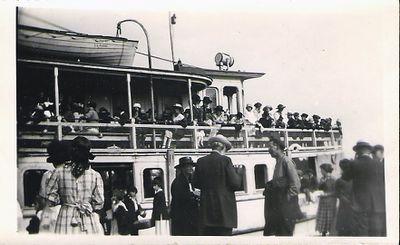 Lintonia, side deck