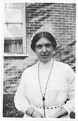 Josephine Olive (Daisy) Hamilton, c1914