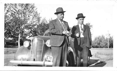 Bruce and Thorne Hamilton, July 1941