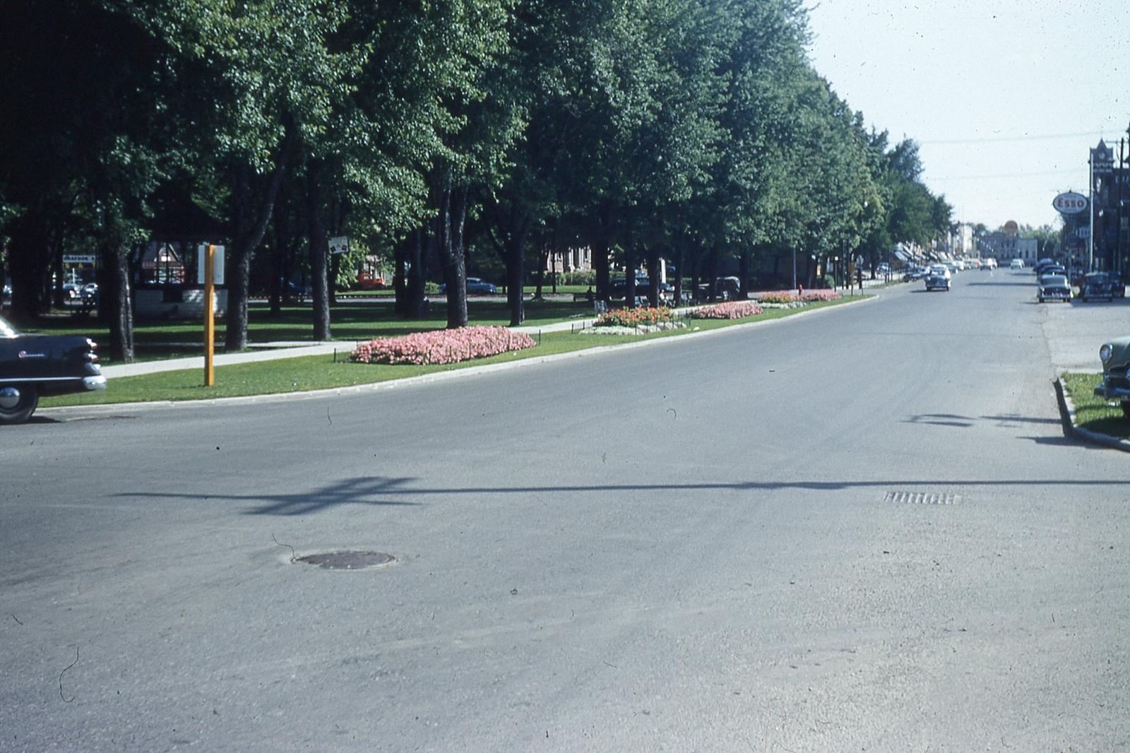 Kent Street West at Victoria Park, Lindsay