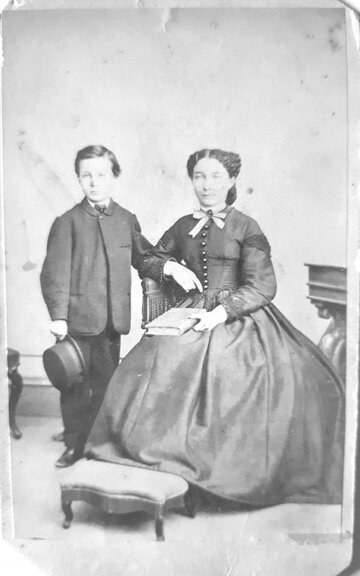 Woman with child, Unidentified, Date unknown