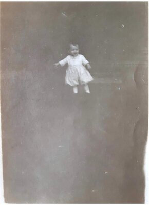 Small child, Unidentified, Date unknown