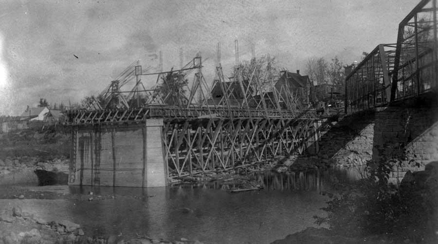 Construction du pont de ciment