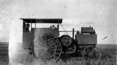 Tracteur a vapeur