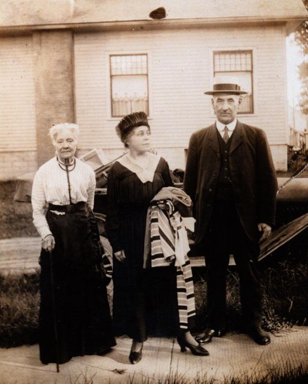 "Reproduction photograph, Annie E. ""Tottie"" Merriman McColl, Annie Maria Strong Bidwell, and George Bidwell"