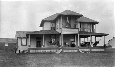 Photograph of Griffis' summer house, Victoria Beach, Cramahe Township