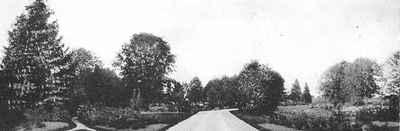 <b>Entrance to Strathmore<b>