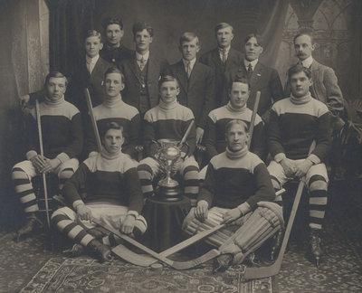 Glen Williams Hockey Team (1911)