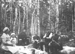 A Lunch in the Woods (1914)