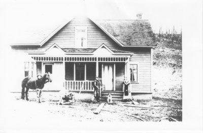 Mr. and Mrs. John Arola on or before 1910 in Nolalu