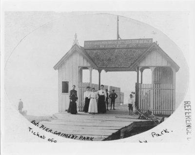 Entrance Pier, Grimsby Park