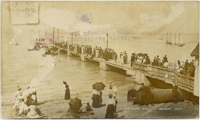 The Pier, Grimsby Beach, Ont postcard