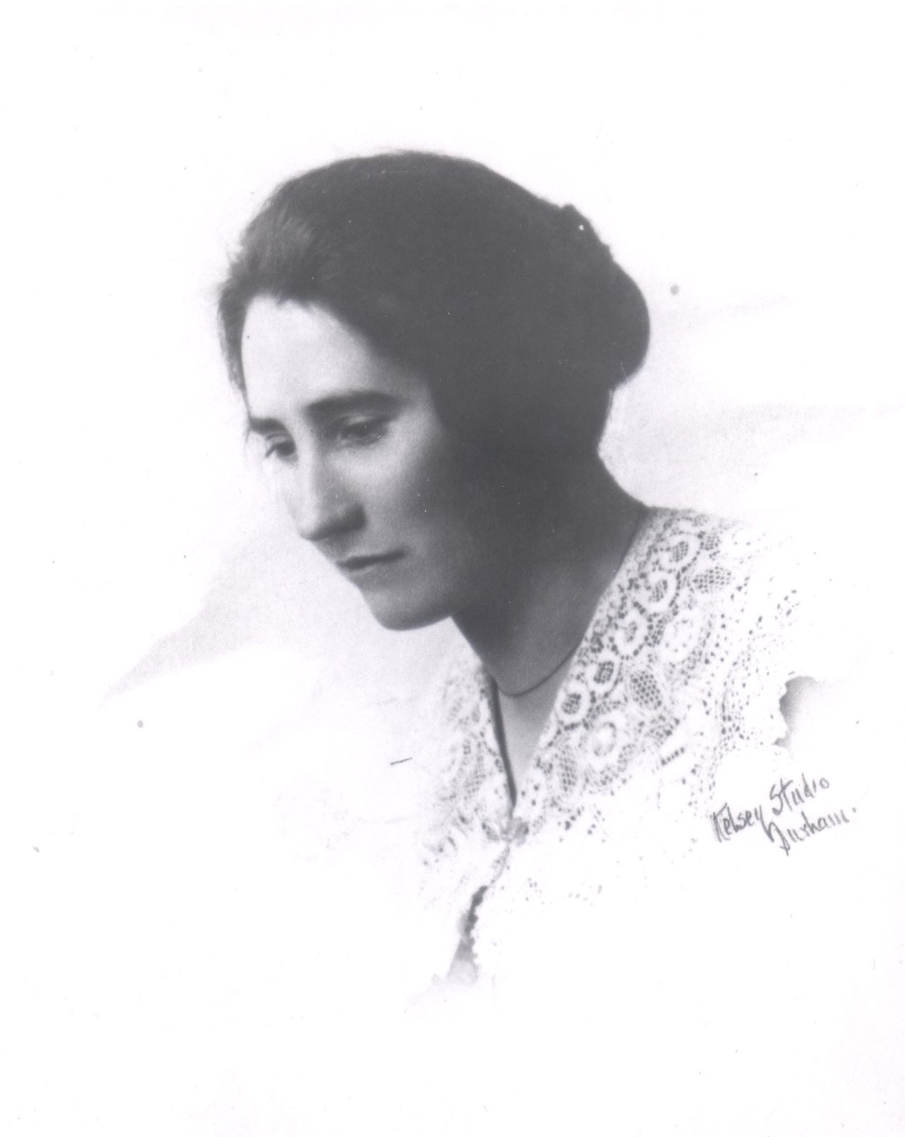 agnes macphail Agnes campbell macphail (march 24, 1890 – february 13, 1954) was a  canadian politician who was elected to the house of commons of canada from  1921 to.