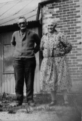 Dugald & Henrietta McPhail at Ceylon