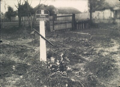 The grave of Konstantin Bokan, who died of starvation.