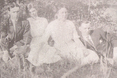 Group Photo Taken In Summer - Circa 1915
