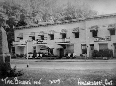 Hôtel Bridge Inn, rénové.