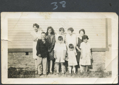 A group of children, probably in the Maracle family