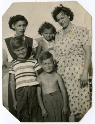 Shirley Leween, Judy Kunkel, Georgina Thompson (Brant), Lorne Lewis, Bruce Lewis