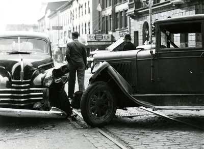 Car accident at King and Queen Street, Kitchener, Ontario