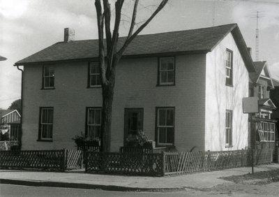 Brick house at 139 Queen Street North, Kitchener, Ontario
