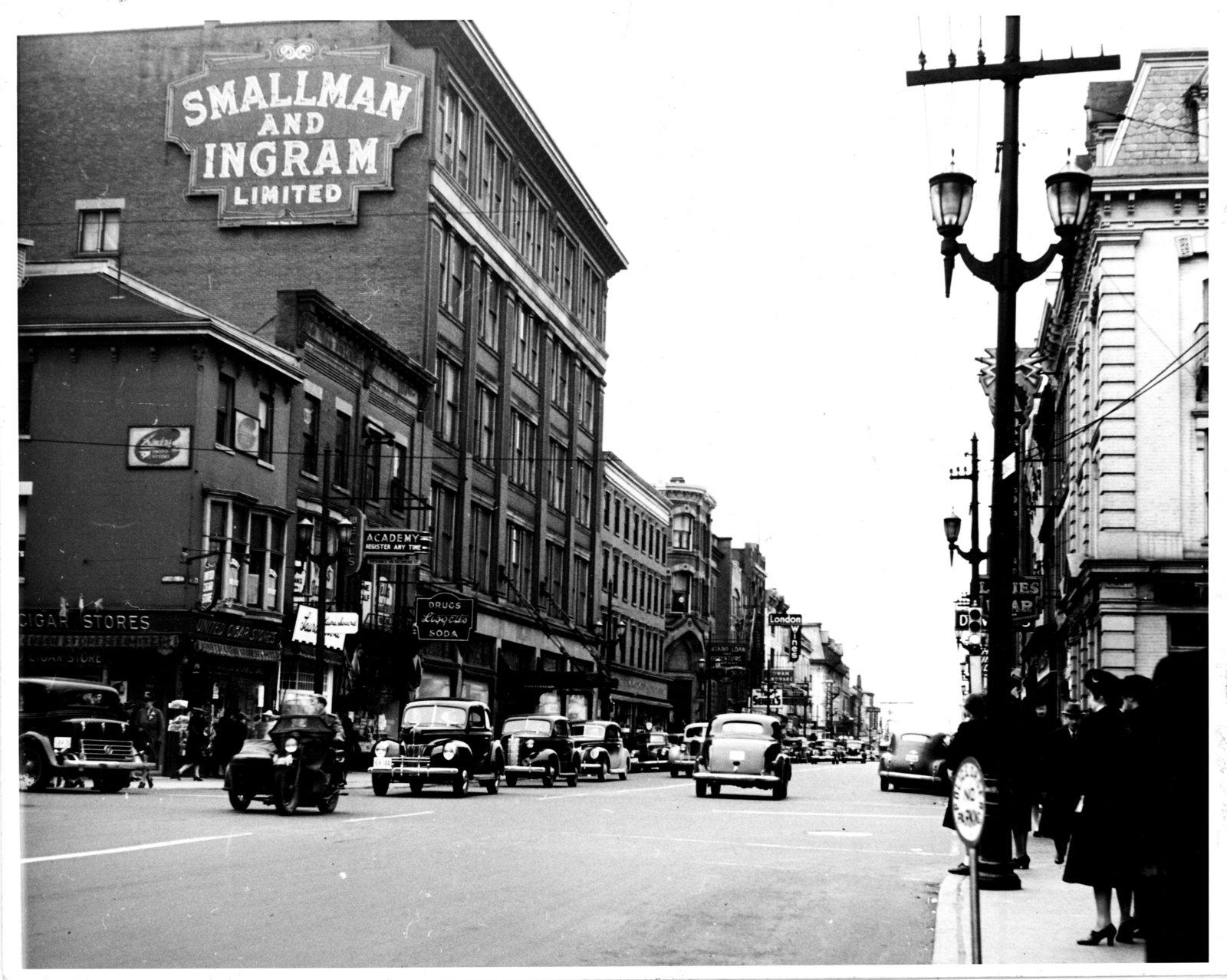 Dundas Street, looking west from Richmond Street, London, Ontario