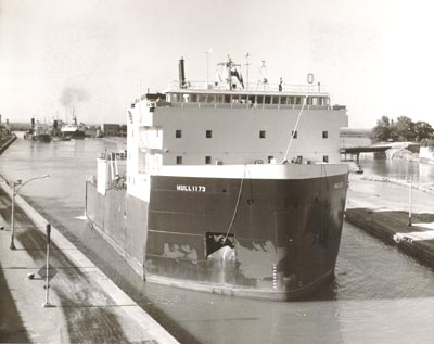 HULL 1173 upbound in the Welland Canal below Lock 7