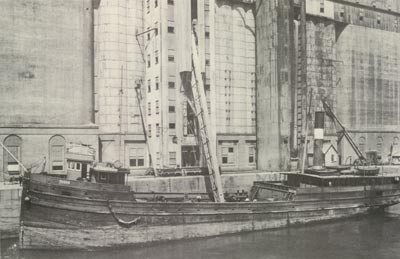 INDIA unloads grain at Montreal