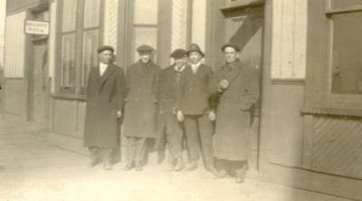Men at the CNR Station in Milton
