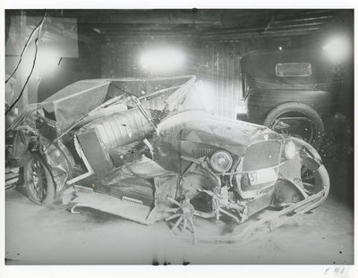 Voiture accidentée / Crashed Car