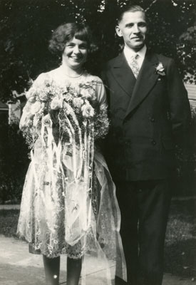 Wedding photograph of Ken and Lillie Brown, 1926