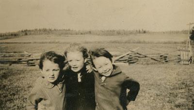 Reta, Dimple, and Orma in a Field, circa 1950