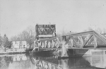 Swing bridge over Chippawa Creek